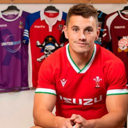live-updates-as-new-wales-rugby-kit-is-launched