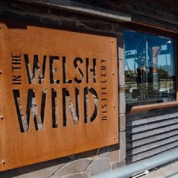 west-wales-distillery-pioneers-grain-to-glass-welsh-whisky
