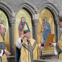 Prayers at the Shrine of St David