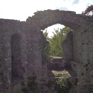 bronllys_castle_10.jpg