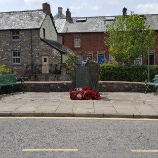 Talgarth_War_Memorial.jpg
