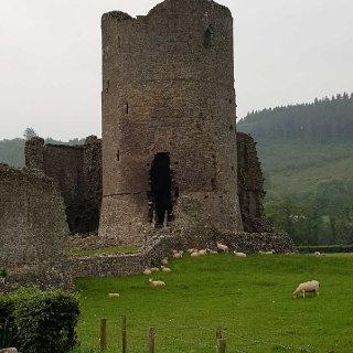 tretower_castle_1.jpg
