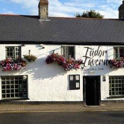 The Tudor Tavern.JPG.jpg