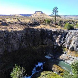 white river falls 2.jpg