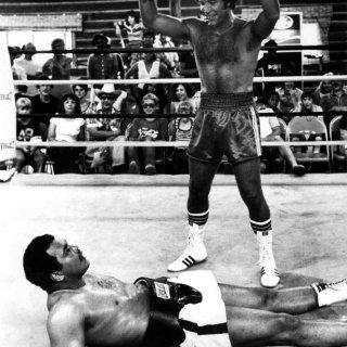2 tom jones muhammad ali story of welsh boxing lawrence davies.jpg