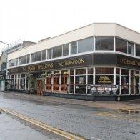Willows Pub