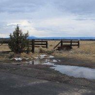 deserted_paddock_near_simtustus