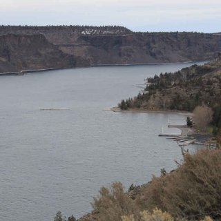 boat_dock_lake_billychinook.jpg
