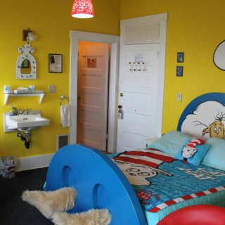 dr_seuss_room.JPG.jpg