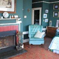 agatha_christie_room_fireplace