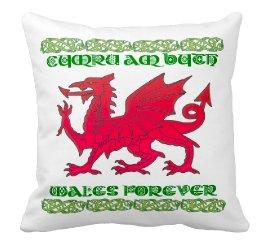 Welsh Dragon, Cymru Am Byth , Throw pillow, dragon cushion, welsh cushion, welsh dragon pillow - Luxury Pillows