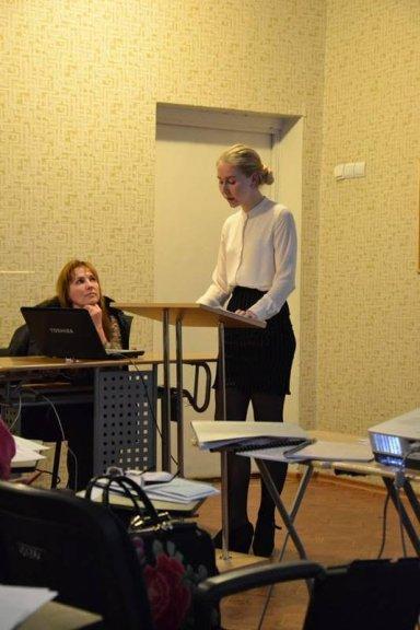 Liliya Revenko (left) and Polina Pavlova (right)