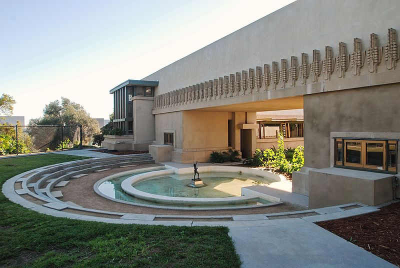 Hollyhock_House_Frank_Lloyd_Wright_19171921_2.jpg