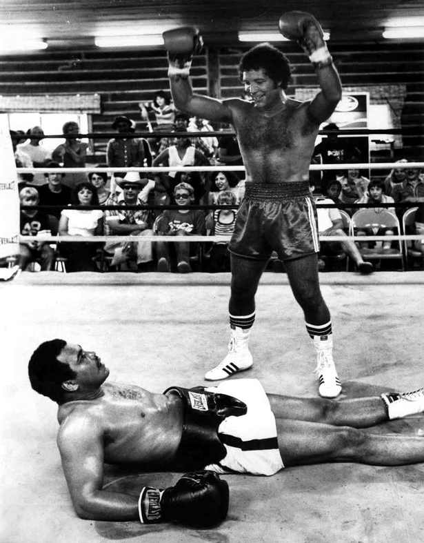 2 tom jones muhammad ali story of welsh boxing lawrence davies.jpg