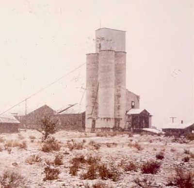 Shaniko_Farmers_Grain_Elevator__Shaniko_Oregon.jpg