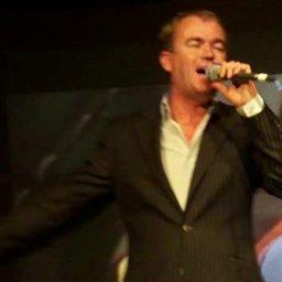 Paul Child sings Calon Lan