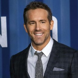 actor-ryan-reynolds-looking-to-invest-in-welsh-soccer-club