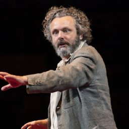 michael-sheen-shaving-beard-for-charity-but-only-in-stages-to-not-freak-out-his-daughter